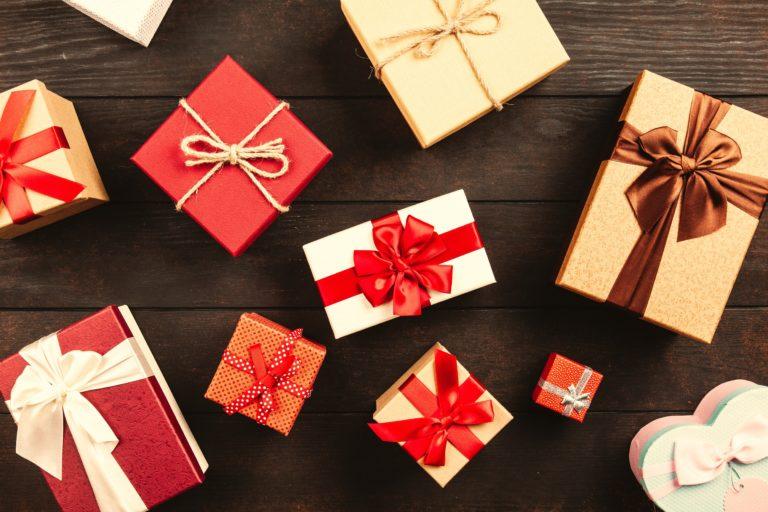 xmas-gifts-768x512